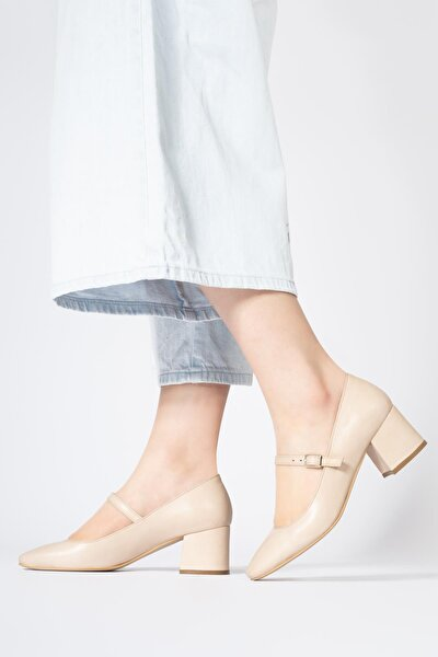 Hakiki Deri Kadın Alçak Topuklu Küt Burun Ayakkabı