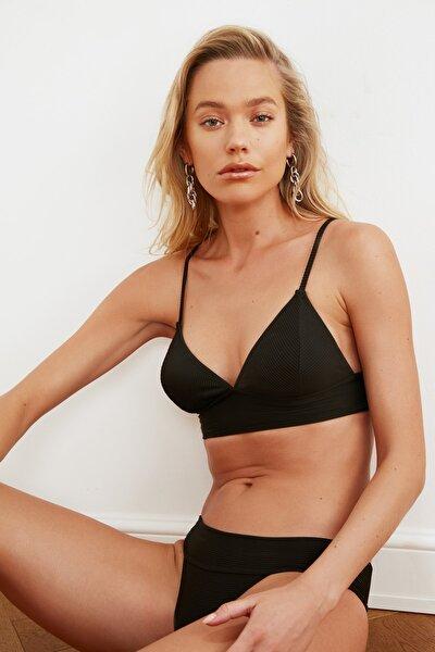 Siyah Detaylı Bikini Üstü TBESS21BU0085