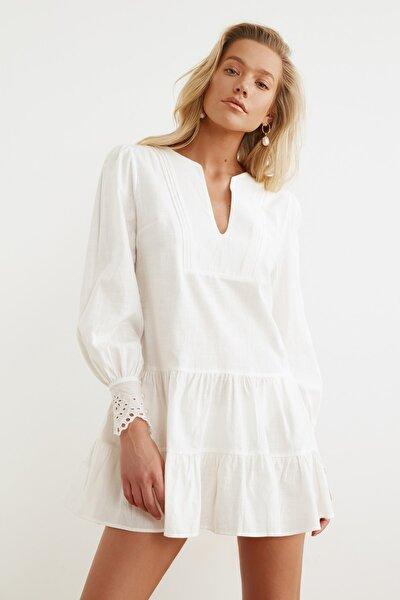 Beyaz Manşet Detaylı Dokuma Plaj Elbisesi TBESS21EL1086