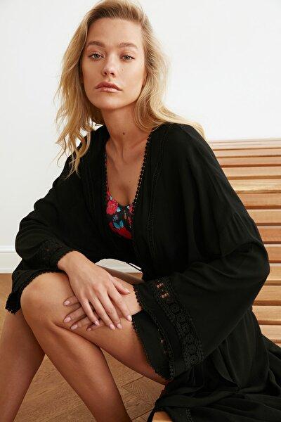 Siyah Şerit Detaylı Kimono&Kaftan TBESS21KM0008