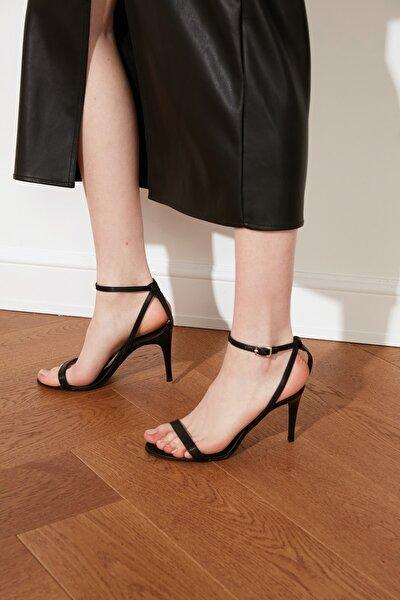 Siyah Kadın Klasik Topuklu Ayakkabı TAKSS21TO0058