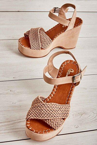 Bej Kadın Dolgu Topuklu Ayakkabı K05688999716
