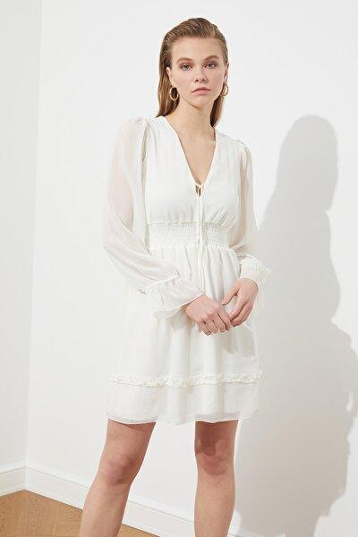 Ekru Gipe Detaylı  Elbise TPRSS21EL1695
