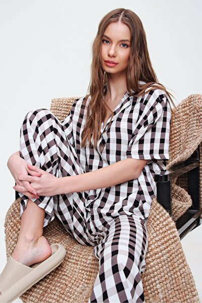 Kadın Bej V Yaka Dokuma Pijama Takım ALC-X5928