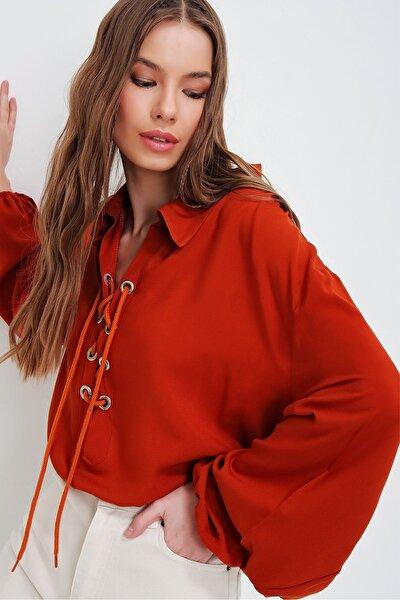 Kadın Kiremit Balon Kollu Yakası Bağcıklı Oversize Dokuma Viscon Bluz ALC-X5941