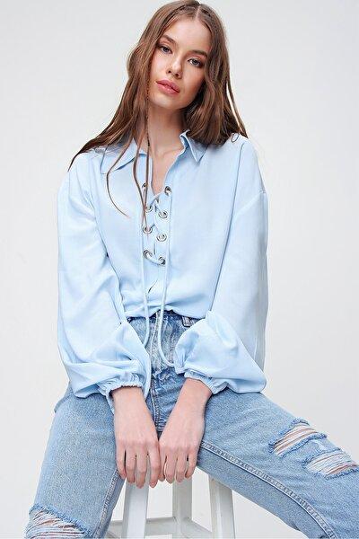 Kadın Mavi Balon Kollu Yakası Bağcıklı Oversize Dokuma Viscon Bluz ALC-X5941