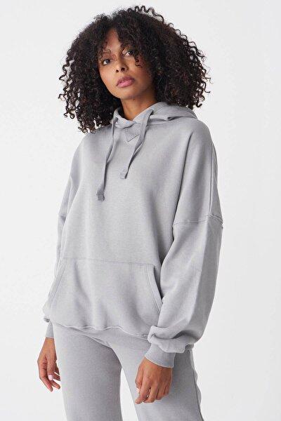 Kadın Gri Kapüşonlu Sweatshirt S0519 - P10V1 Adx-0000014040