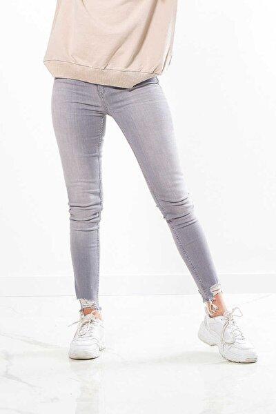 - Kadın Gri Normal Bel Dar Kesim Denim Pantolon