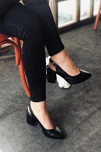 Kadın Siyah Cilt Topuklu Tokalı Ayakkabı
