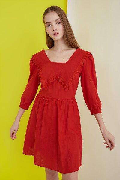 Kiremit Yaka Detaylı Elbise TWOSS21EL0437