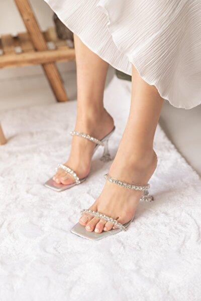 Kadın Gümüş Topuklu Terlik