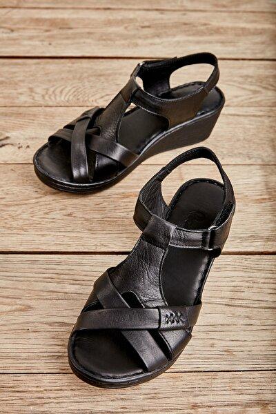 Hakiki Deri Siyah Kadın Sandalet K05809708403