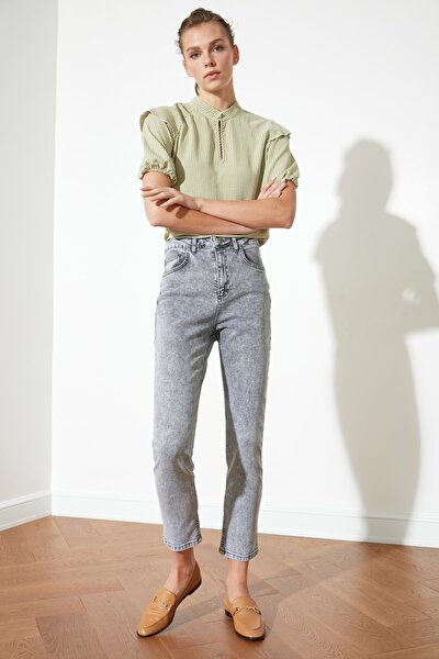 Gri Yüksek Bel Yıkama Efektli Slim Fit Jeans TWOSS21JE0018