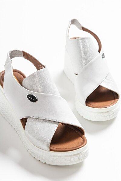 6047 Beyaz Pierre Cardin Sandalet