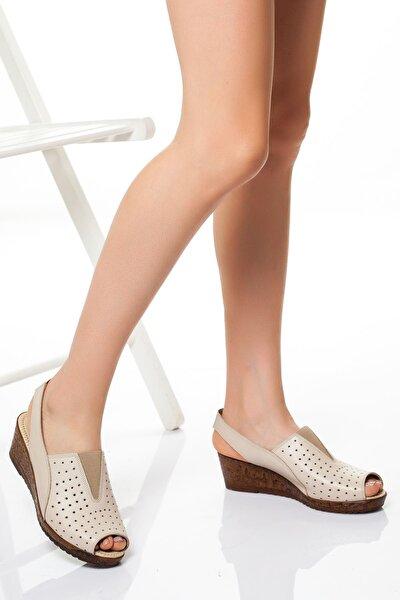 Kadın Bej Hakiki Deri Sandalet