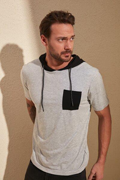 Gri Erkek Kapüşonlu Garnili Regular Fit T-Shirt TMNSS20TS0028