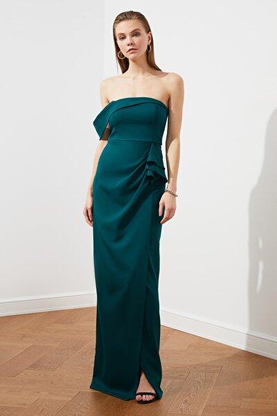 Zümrüt Yeşili Volan Detaylı Abiye & Mezuniyet Elbisesi TPRSS21AE0010