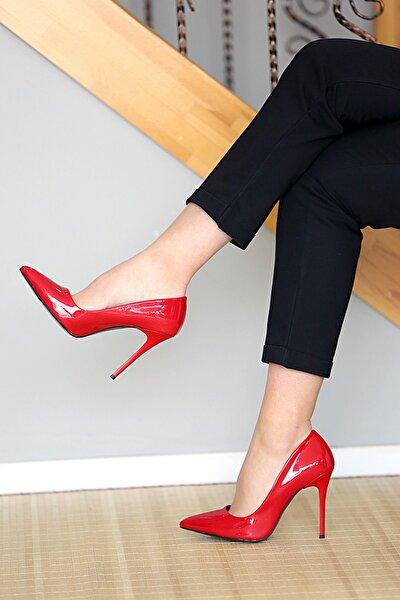 Kadın Kırmızı Rugan İnce Topuklu Ayakkabı