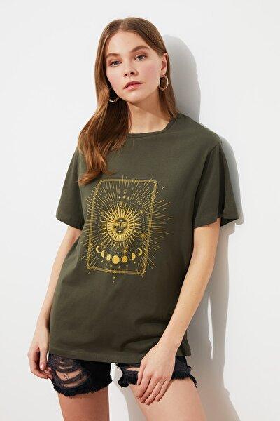 Haki Baskılı Boyfriend Örme T-Shirt TWOSS20TS0247