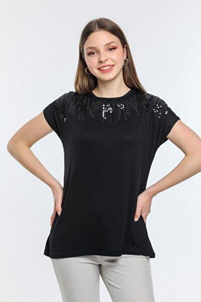 Kadın Siyah Yakası Pul Detaylı Bluz