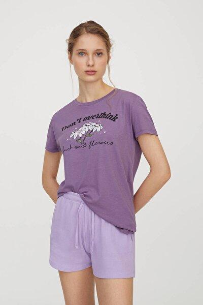Kadın Koyu Leylak Papatya Görselli Leylak Rengi T-Shirt 04240313