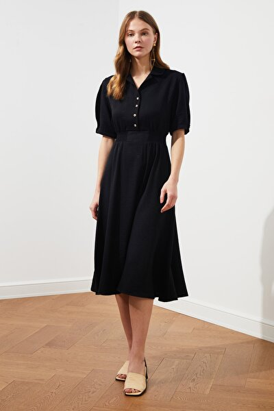 Siyah Gipe ve Düğme Detaylı Elbise TWOSS21EL1023