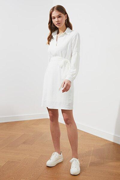 Ekru Kuşaklı Kol Detaylı Elbise TWOSS21EL0773