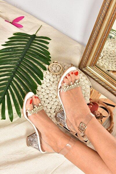 Kadın Beyaz Boncuklu Şeffaf Cam Topuklu Ayakkabı K510953823