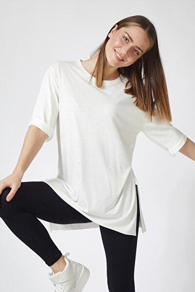 Kadın Beyaz Yandan Yırtmaçlı Oversize Penye T-Shirt Lİ00052