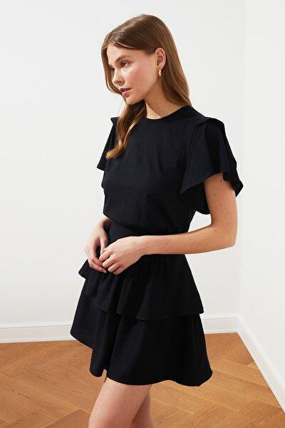 Siyah Volanlı Basic Örme T-Shirt TWOSS21TS0650