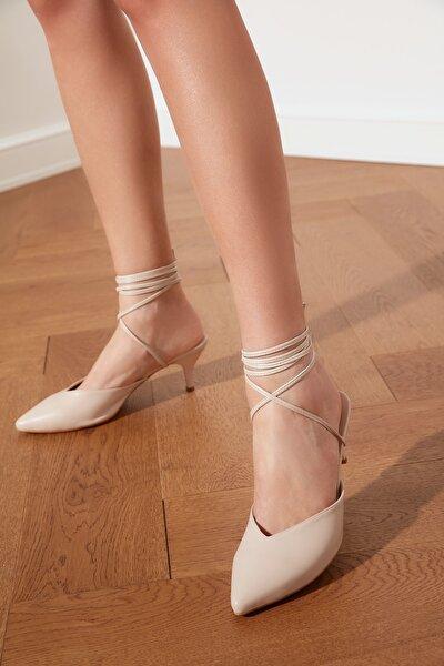 Bej Bilekten Bağlamalı Kadın Klasik Topuklu Ayakkabı TAKSS21TO0008