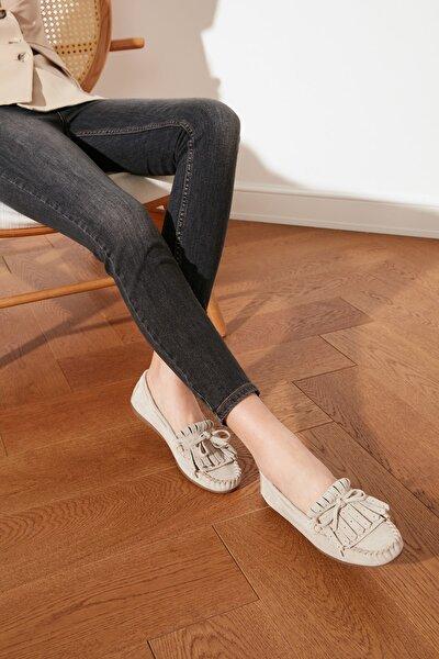 Bej Hakiki Deri Püsküllü Kadın Loafer Ayakkabı TAKSS21LA0001