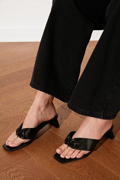 Siyah Parmak Arası Kadın Terlik TAKSS21TE0047