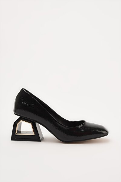 Siyah Kadın Klasik Topuklu Ayakkabı 01AYH214740A100