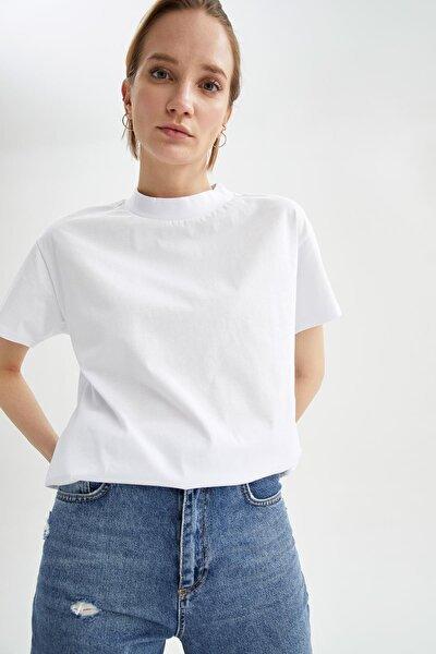 Kadın Beyaz Relax Fit Basic Kısa Kol T-Shirt