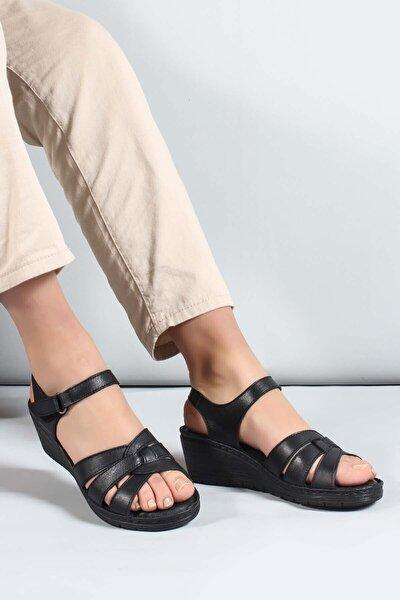 Kadın Siyah Hakiki Deri Topuklu Sandalet 952za21886