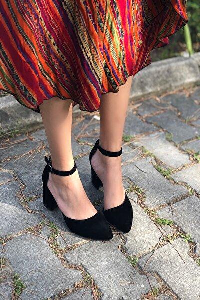 Kadın Siyah Bilekten Bağlamalı Topuklu Ayakkabı