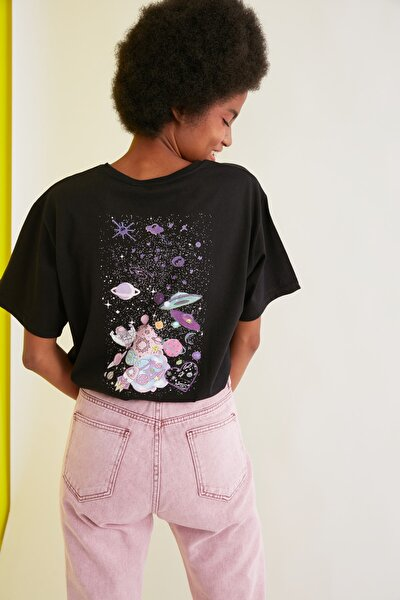 Siyah Baskılı Boyfriend Örme T-Shirt TWOSS21TS1735