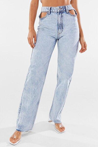 Kadın Açık Mavi Pencere Detaylı Straight Fit Yüksek Bel Jean