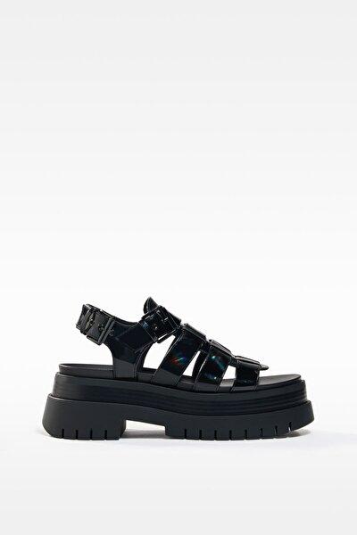 Kadın Siyah Yanardöner Platform Bantlı Sandalet