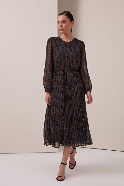 Kadın Siyah G Desenli Pilise Elbise 21YG003328
