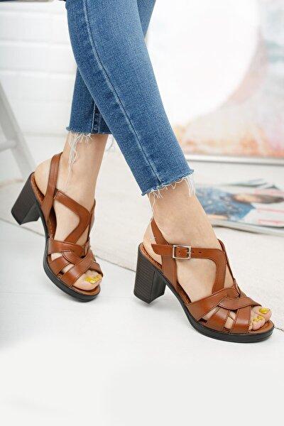 Kadın Kahverengi Hakiki Deri Klasik Topuklu Sandalet