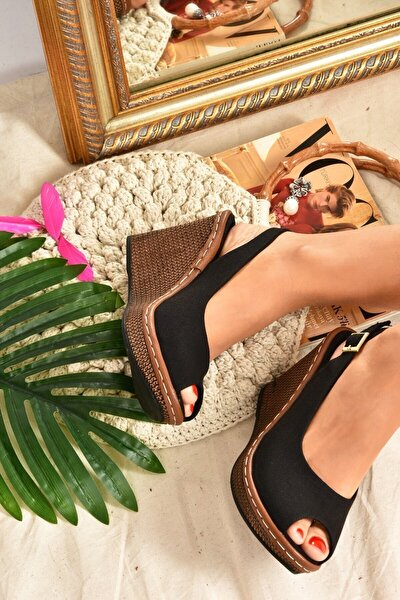 Kadın Siyah Keten Dolgu Topuklu Ayakkabı K674040705