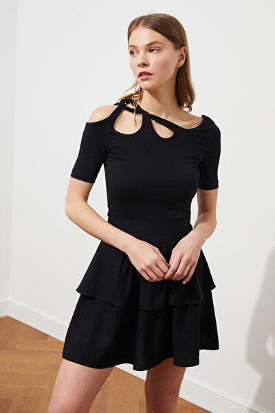 Siyah Omuz Detaylı Fitilli Örme Bluz TWOSS21BZ0952