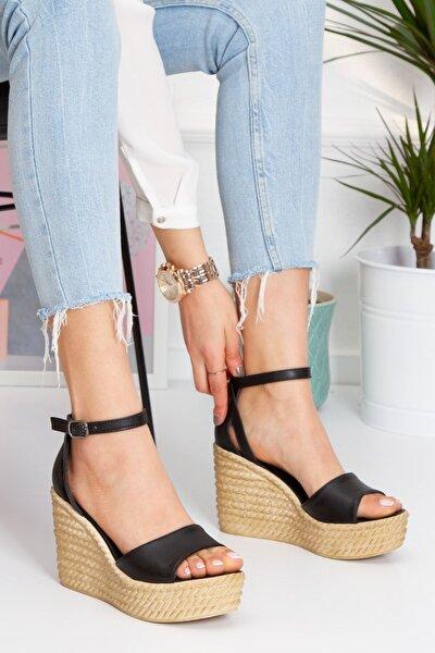 Kadın Siyah Vinle Dolgu Topuklu Ayakkabı lzt0590
