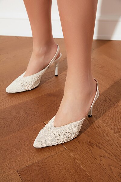 Beyaz El Yapımı Detaylı Kadın Klasik Topuklu Ayakkabı TAKSS21TO0001