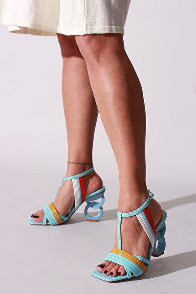 Kadın Bebe Mavi Renkli Rugan Topuklu Ayakkabı
