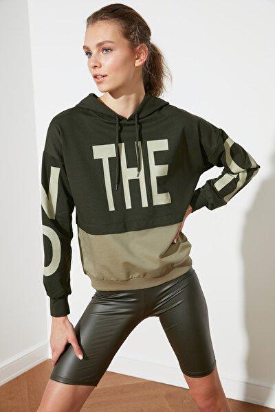 Haki Renk Bloklu Baskılı Örme Sweatshirt  Sweatshirt TWOSS21SW0132