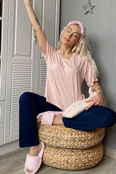 Kadın Pembe Örme Oval Yırtmaçlı Pijama Takımı
