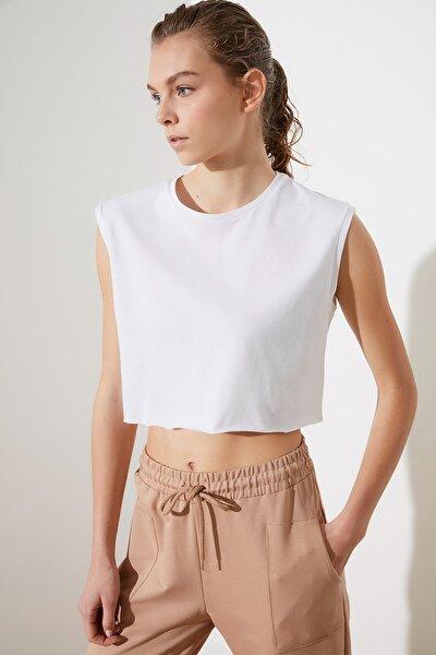 Beyaz Kolsuz Crop Örme T-Shirt TWOSS21TS0885